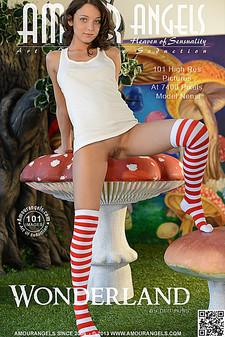 AmourAngels - Nensi (Foxi Di) - Wonderland