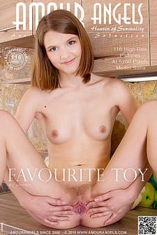 AmourAngels - Sofia - Favourite Toy